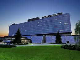 Хотел Crown Plaza